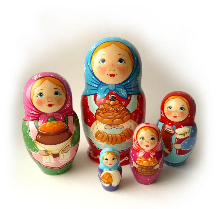 """Матрёшка 5 местная """"Валя""""   цена: 1550 руб.  Высота матрёшки: большая 16,5 см. матрешка мал. 5 см.  Порадует своим настроением как взрослого, так и ребёнка. Матрёшка – это особенно притягательная и несущая в себе множество смыслов и символов игрушка. Матрёшка универсальный подарок, как для ребенка, так и для взрослого. Подарить матрёшку уместно практически на любой праздник и отправить как сувенир в любую точку планеты, стоит только правильно выбрать какую именно."""