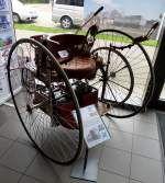 Electric Tricycle, Nachbau des ersten straßentauglichen Elektrofahrzeugs der Welt, gebaut 1881 in den USA, Museum Autovision Altlußheim, Sept.2014