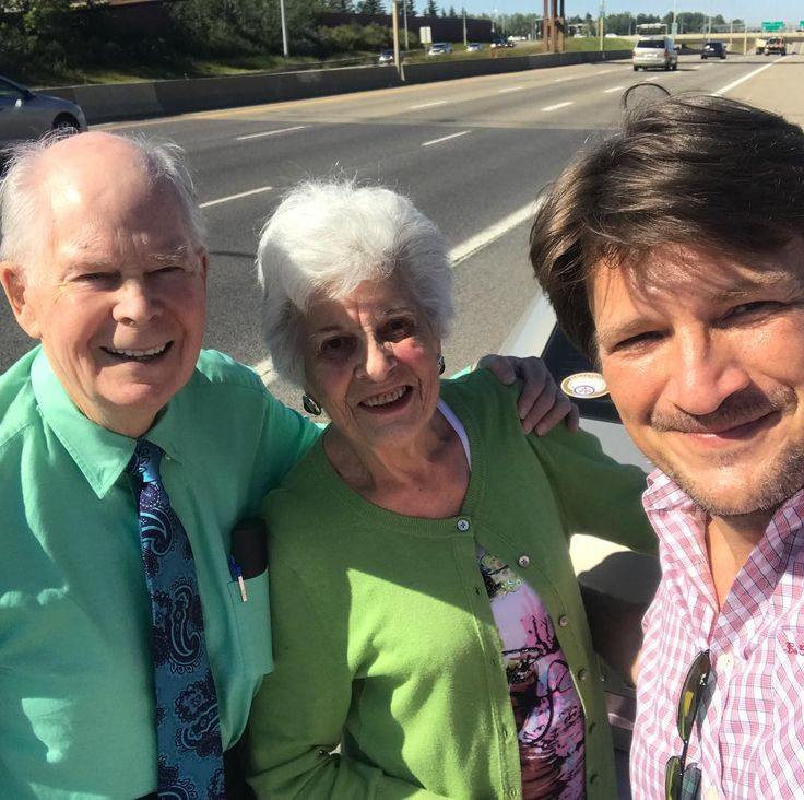 """na Nathan Fillion (@natefillion) on Instagram: """"Changed a tire for a couple on the freeway, turns out my dad grew up next door to them. #smalltown"""""""