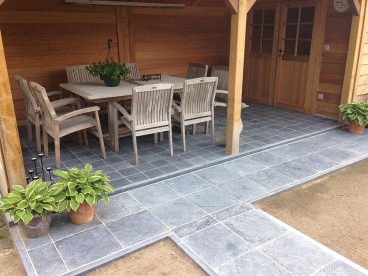 25 beste idee n over blauwe hardsteen terras op pinterest patio buxus haag en leistenen patio - Leuningen smeedijzeren patio ...