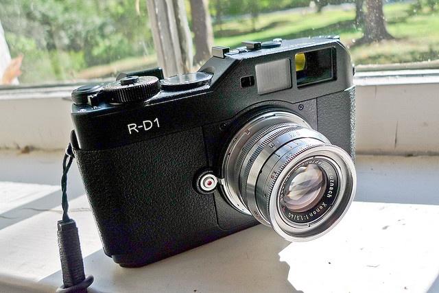 Epson R-D1: The filmiest of the digital era.