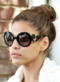 See http://www.1010direct.com/blog.aspx#for tips on how to get the celebrity look this summer!