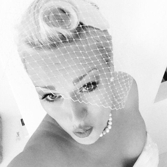 Marilyn Monroe beautiful bride bridal veil wedding photography bridal hair