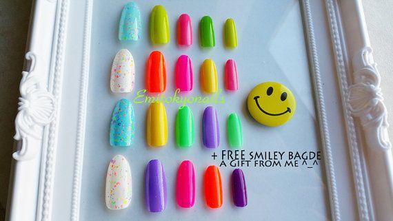 Candy Nail20 Nails Free smiley badgeKawaii by emitokyonails