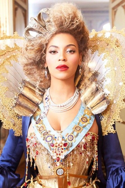 Beyonce looks incredible in these world tour photos