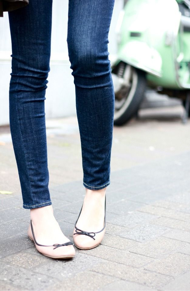dainty two-color ballet flats