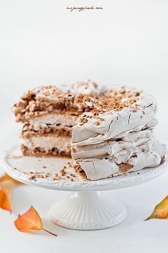 Cinnamon and hazelnut meringue cream cake