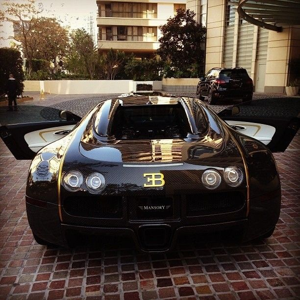 Black and Gold Bugatti! BLING BLING! Yowsers!!!