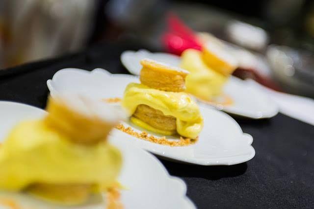 La #Millefoglie #Strachin di #CasaPerbellini è una delle pietre miliari del nuovo concept restaurant di Chef Giancarlo. Vediamo in questa gallery come viene preparato e servito.