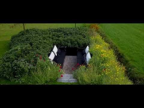 Denkers in Tuinen dronevlucht tuin Lochem - YouTube