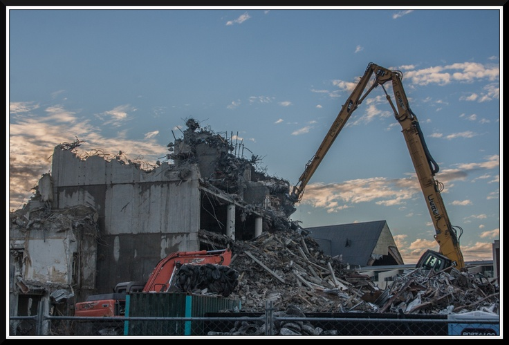 BDO Spicers building being demolished in Victoria Street