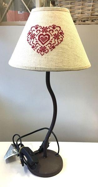 LAMPADA DA TAVOLO CON RICAMO
