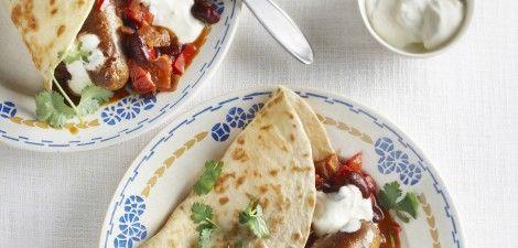 Chili con carne met worst en tortilla's