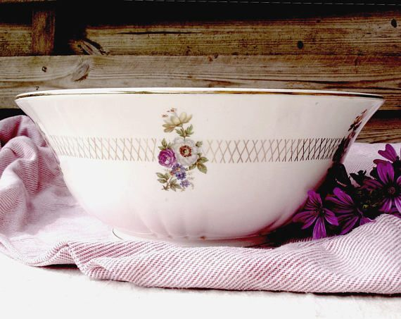 Orchies Moulin des Loups Nord France salad bowl - floral bunches with gold weave pattern detail,  Made in France