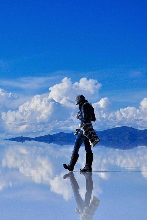 Salar De Uyuni, Bolivia (a salt flat that basically acts like a gigantasauraus mirror!)