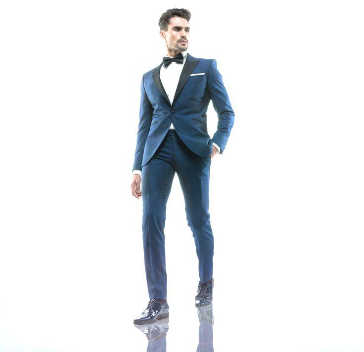 COSTUM FILIP CEZAR FOREVER BLUE  Un costum ideal pentru domnii care vor să iasă în evidență la un eveniment deosebit.  #FilipCezar #tailoring #bespoke #fashion #suits http://www.filipcezar.com/ro/costume-la-comanda/154-costum-mire-la-comanda-filip-cezar-forever-blue.html