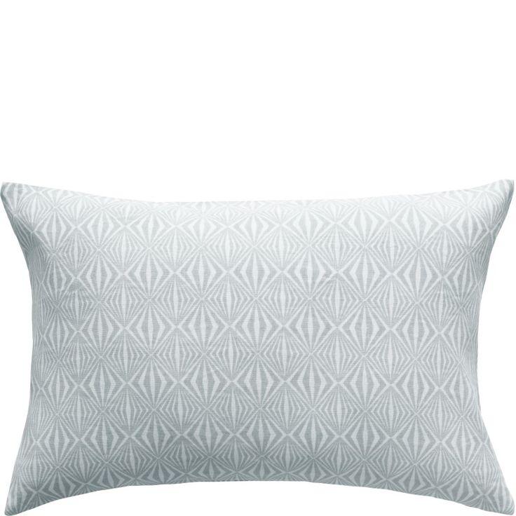 Design by Bernadotte & Kylberg kudde Intarsia blå 40x60 cm