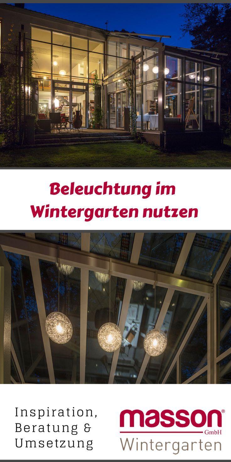 Die Vielen Fenster Sorgen Tagsuber Fur Viel Tageslicht Im Wintergarten Doch Auch Wenn Es Draussen Dunkel Wird Kann Mi Wintergarten Terrassendach Terrassen Dach