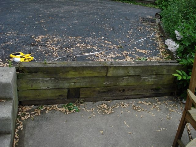 Driveway slope retaining wall 3587d1244139377 retaining for Sloped driveway options