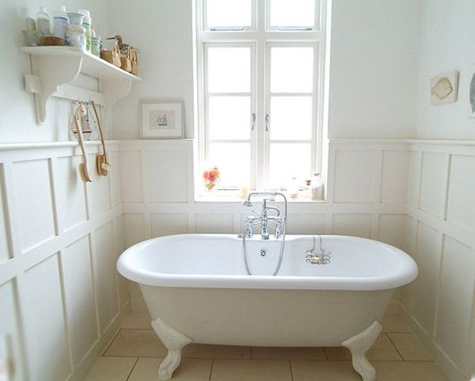 Small bathroom, panelled walls, great use of space