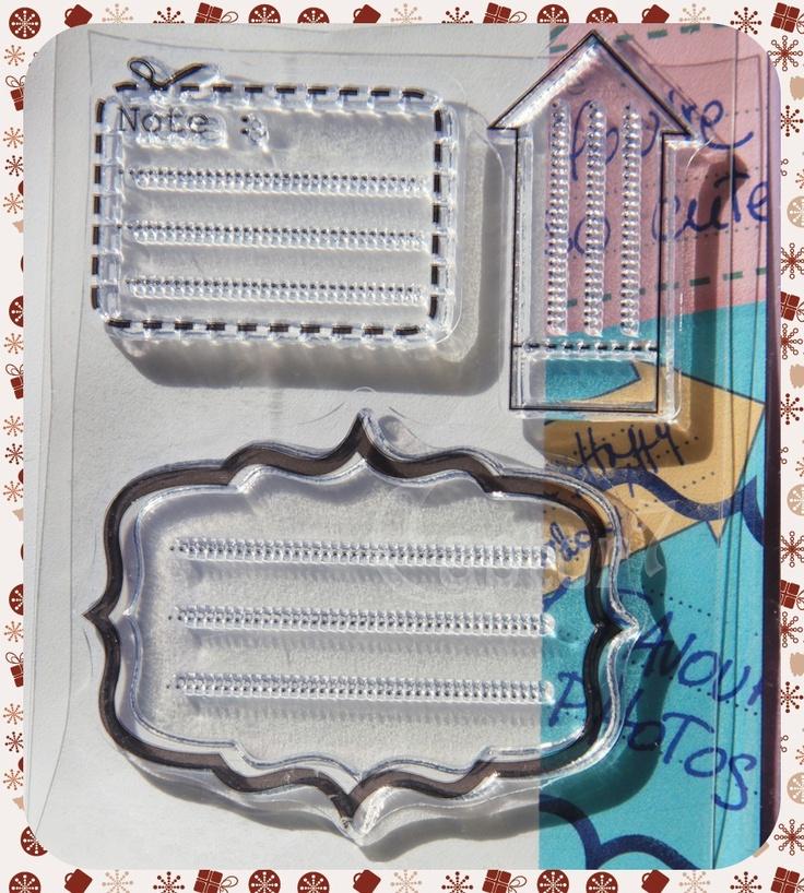 """3 timbri in gomma acrilica a tema note, avvisi e targhette raffiguranti un rettangolino con la scritta """"Note:"""" e la tratteggiatura intorno con metà forbice, una freccia e una targhetta. Price €2,85"""
