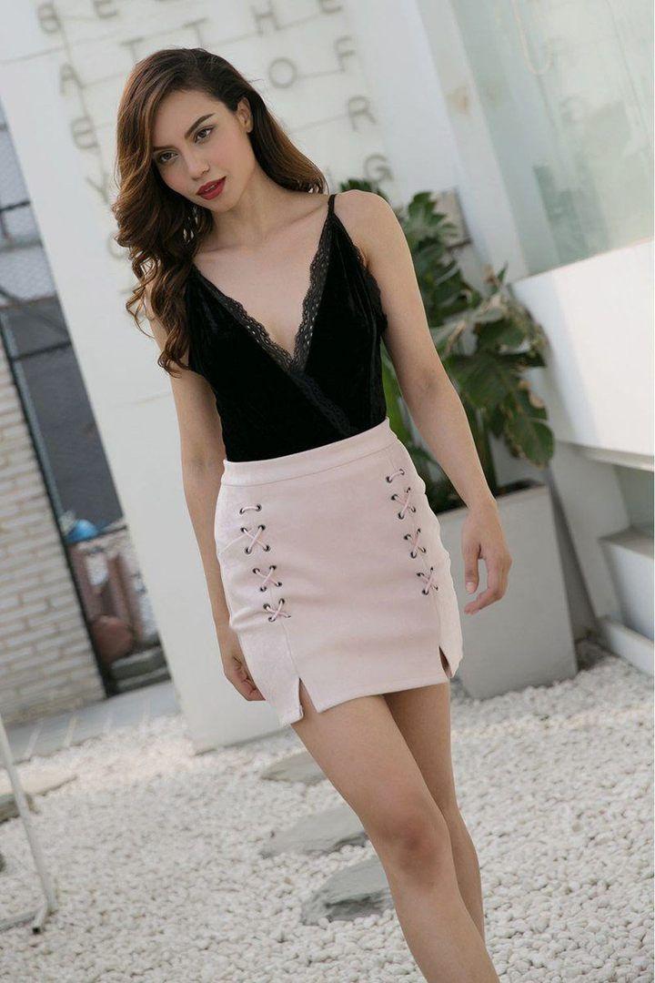 bb80d05db2 Perla Lace-Up Mini Skirt in 2019 | Fashion | Mini skirts, Vintage ...