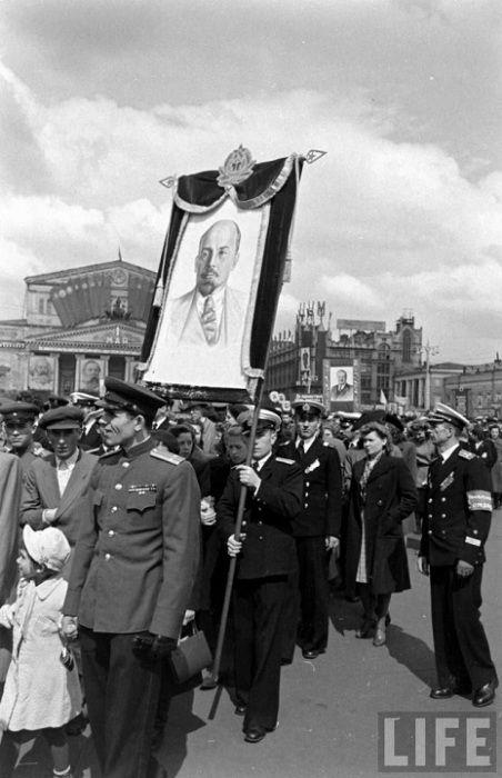 Военный патруль принимавший участие в параде.