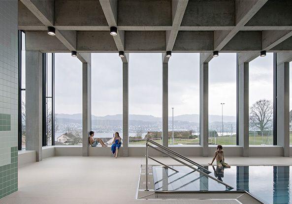 Schwimmbad in Erlenbach bei Zürich / Baden im Berg  - Architektur und Architekten - News / Meldungen / Nachrichten - BauNetz.de