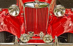 Joel Vieira - Front View Of Old Red Car