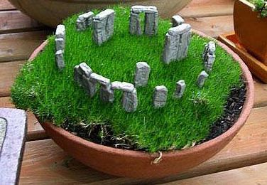 A mini Stonehenge :-) too boo-ti-Ful