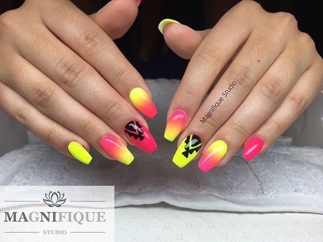 Neon ombre nails #colourednails #handpainted #nailpaint #nailpainting #pieknepaznokcie #indigonails #nailstagram #nailsart #nailpolish #nailsoftheday #nailart #nails2inspire #naildesign #nailporn #nail #nailartclub #neonpink #neonyellownails #neonyellow #neony #neonowepaznokcie #ombrenails #ombré #azteckiewzory #aztecnailart #aztecdesign