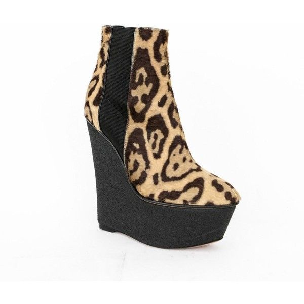 Pre-owned Giambattista Valli Leopard Print Wedge Platform Ankle... ($275) ❤ liked on Polyvore featuring shoes, boots, ankle booties, tan, wedge boots, platform booties, wedge heel booties, platform ankle booties and leopard print wedge booties