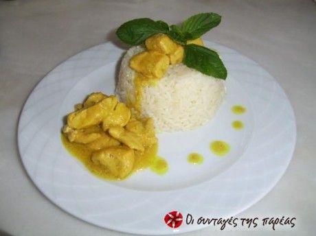 Γευστικότατες μπουκίτσες κοτόπουλου στην κατσαρόλα με κίτρινη σάλτσα γλυκόξινη!