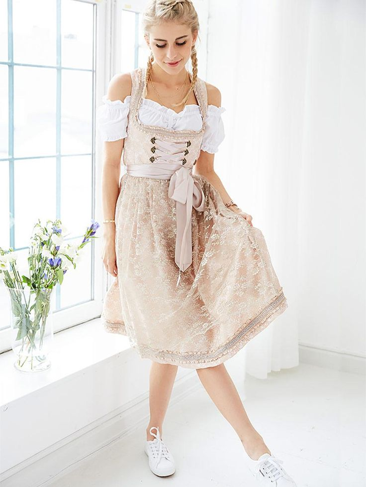 Midi Marjo @aboutyoude Dirndl with tulle apron.