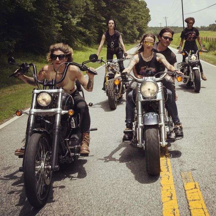 """Rolling through the swamplands with a killer crew  @harleydavidson #HwyRunaways #HarleyWomen #WomenWhoRide #WomensMotoExhibit #HarleyDavidson"""