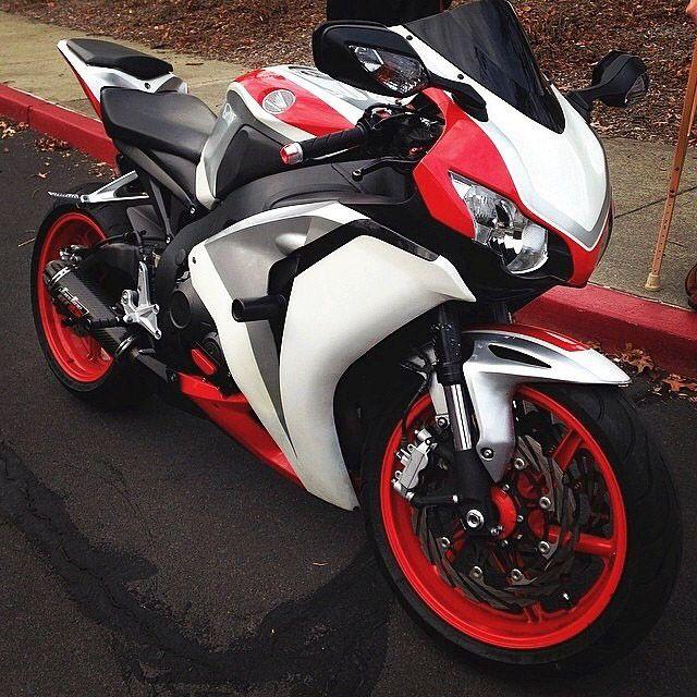 Honda CBR1000RR - Liter bike S/O to @7david_0_bishop7