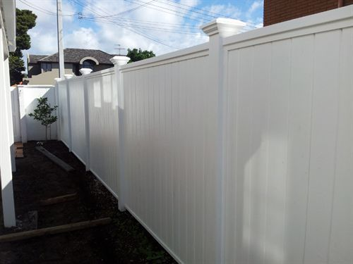 good construction - shiplap fence