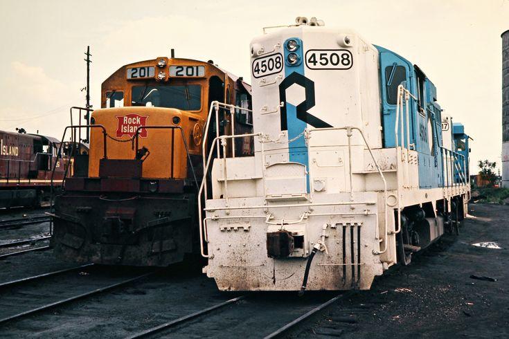 CRIP, Blue Island, Illinois, 1975Rock Island locomotives at Blue Island, Illinois, on May 26, 1975. Photograph by John F. Bjorklund, © 2016, Center for Railroad Photography and Art. Bjorklund-82-07-19