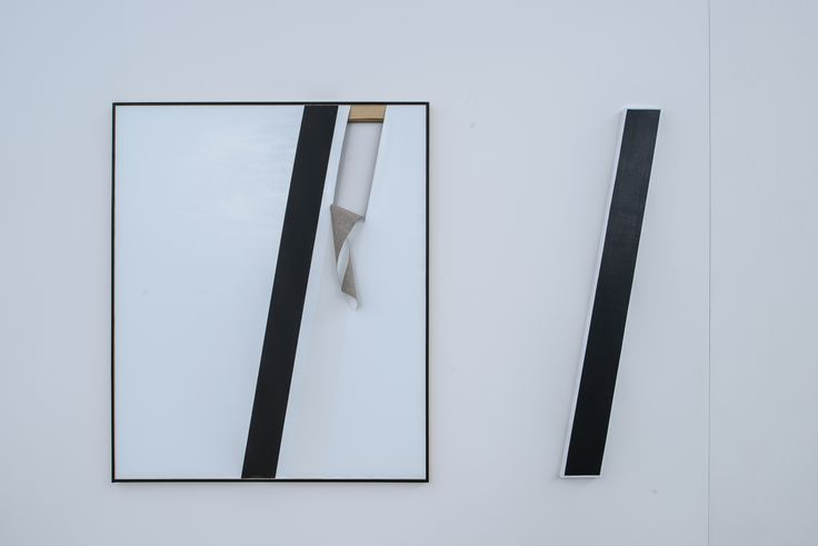 Alice Gaskon, prace z cyklu The Open Work, od lewej: Unfolded (white tear), Black line, 2014, fot. Wojciech Pacewicz