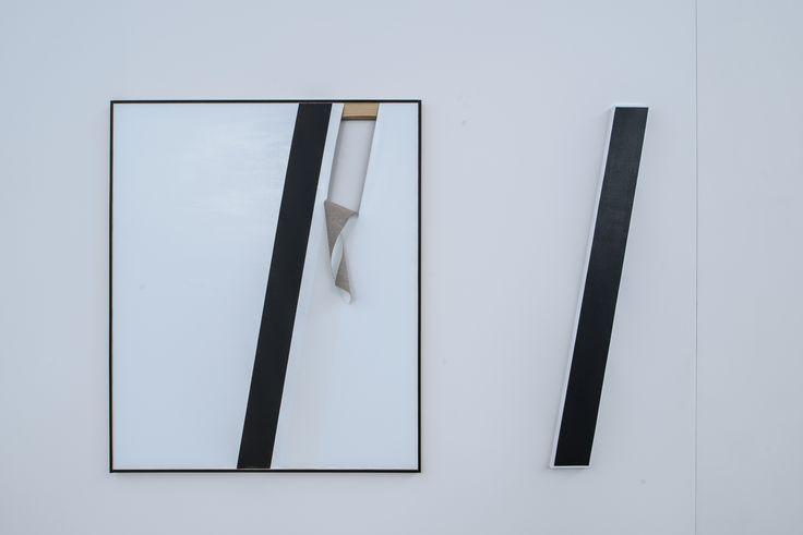 Alice Gaskon, prace z cyklu The Open Work, od lewej: Unfolded (white tear), Black line, 2014, fot. Wojciech Pacewicz