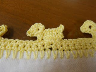 Rubber Ducky Edging...kinda looks like a puppy to me....but cute anyway!