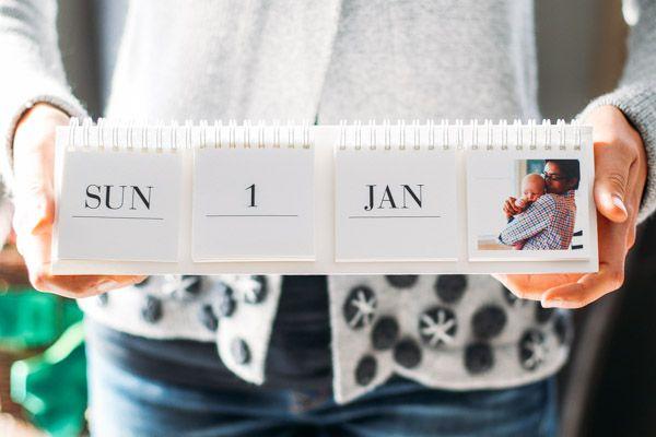 Love this photo flip calendar - a great idea for grandparents!