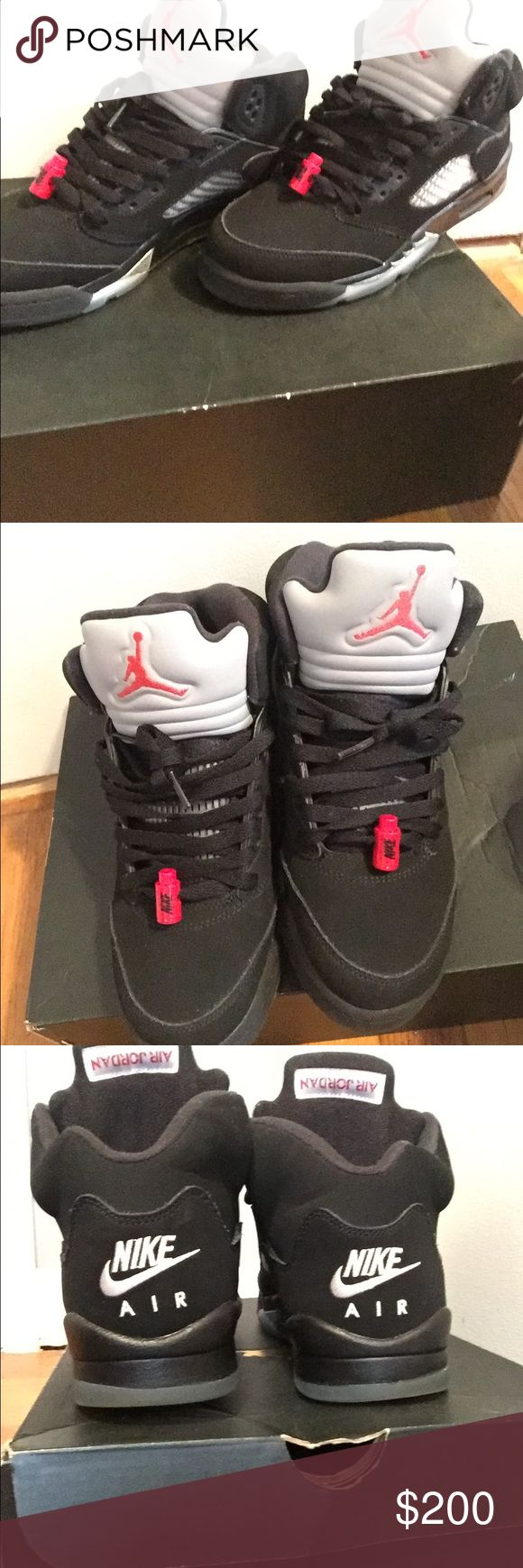 Metallic 5's In perfect condition size: 7 only flaw yellow on bottom 100% real Jordan Shoes Sneakers