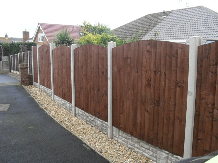 All of our fencing projects are completed with excellent precision and total stability. We do a large range of different fencing whether it be vertilap or feather boarding or trellis work. The most popular is the vertilap fencing panel with concrete posts and rock face gravel boards.