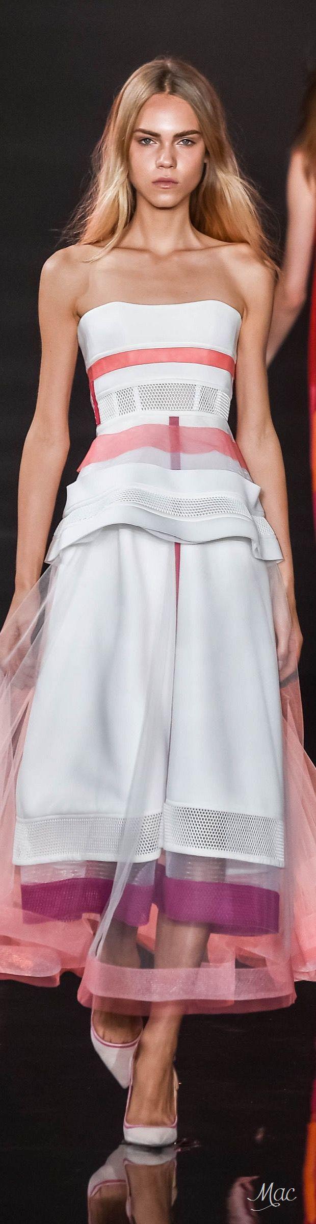 Valentin Yudashkin Spring Summer 2016 RTW Couture
