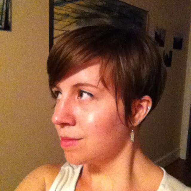 Love this pixie haircut!
