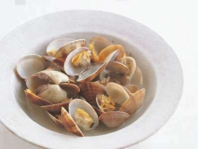 高城 順子 さんのあさりを使った「あさりの酒蒸し」。酒をふってチン! すれば、できます。途中で一度、全体を混ぜるのがポイント。 NHK「きょうの料理」で放送された料理レシピや献立が満載。