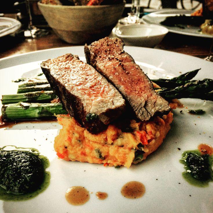 #flanksteak ❤️ #Dinner beim #besten der besten @fashion_on_a_plate ❤️ #küchengott #wahreschönheitkommtvoninnen #fashiononaplate #luxuryfood #luxurylife #luxurylifestyle #instagood #instafood #foodporn #München #munich #besterkoch #cook #essen #genuss #thefinerthingsinlife #foodspiration #genießen #lifestyle #lifestyleblogger #spargel #qualitytime #lovemylife #meatlover #steak #steaks
