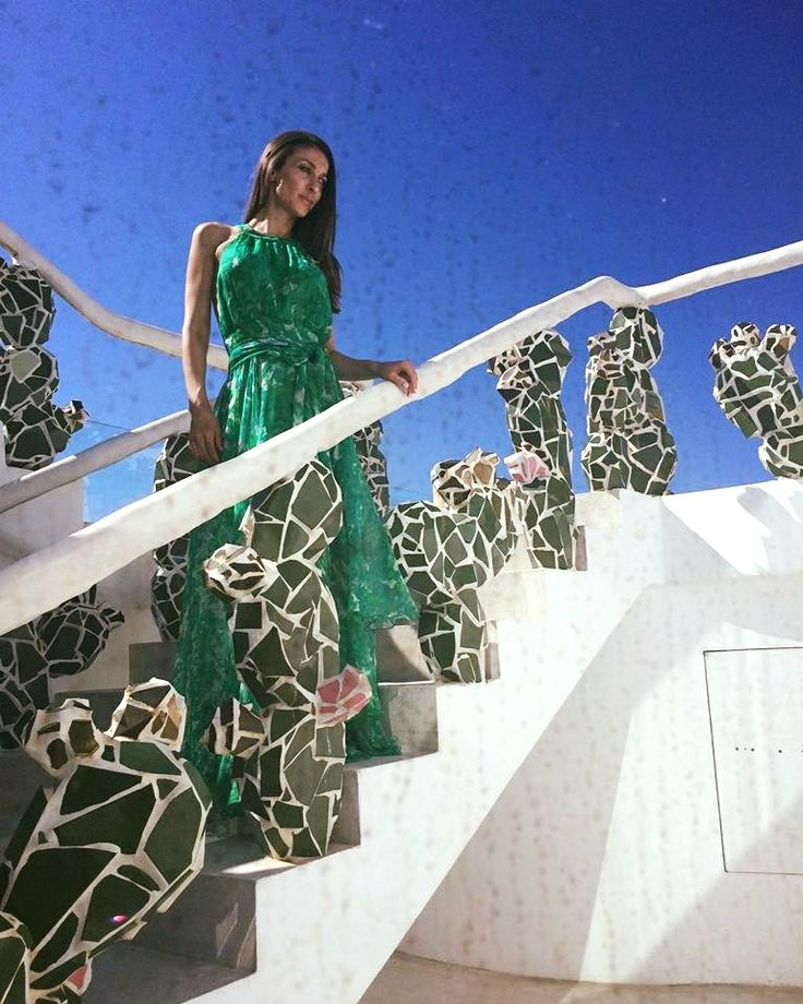 INNANA☆ *In her kingdom* Hand painted green dress designed by Pelina Pertsinidou.
