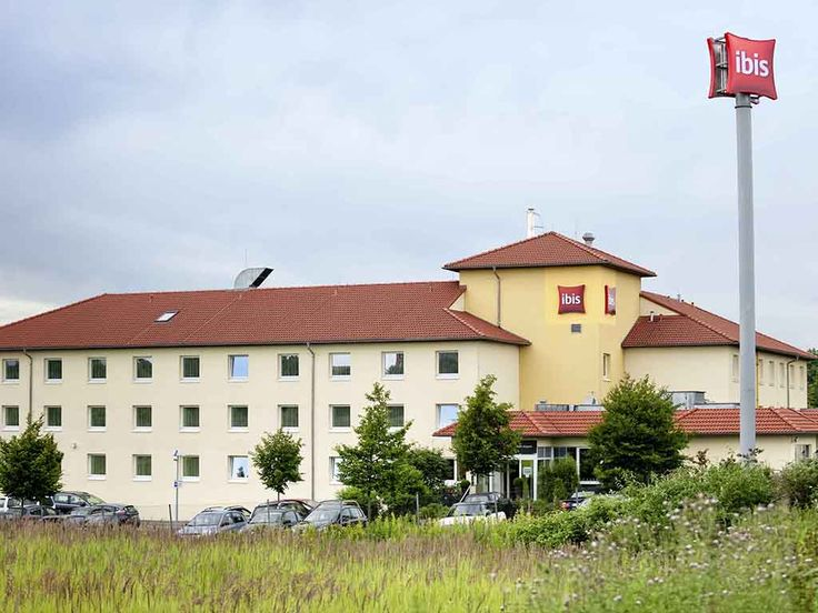 #hotel #holiday IBIS KOELN AIRPORT: The ibis Köln Airport hotel is between Cologne Bonn Airport, the exhibition center and the city center…